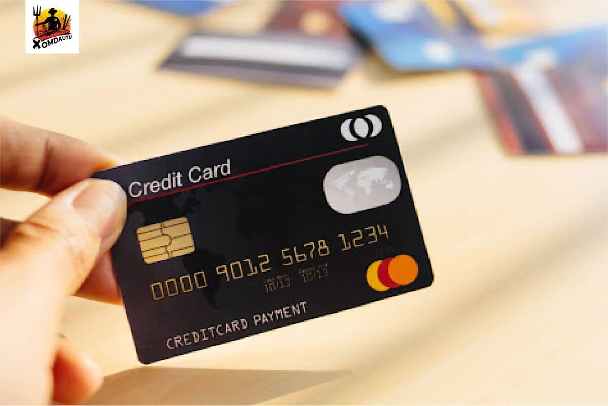 Thẻ tín dụng trả góp